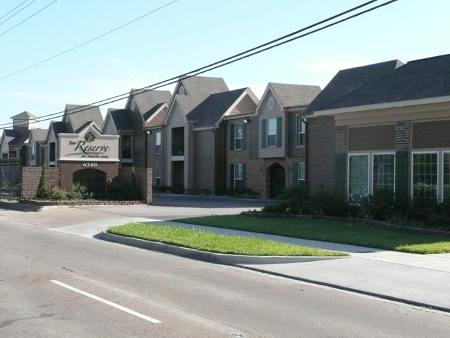 The Reserve at White Oak and New Leasing Office